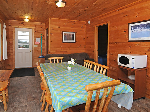 Cabin 3 dining room