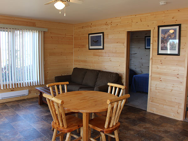 Cabin 7 dining room